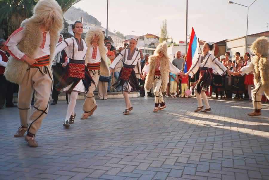 Vlaška narodna odjeća i folklor.