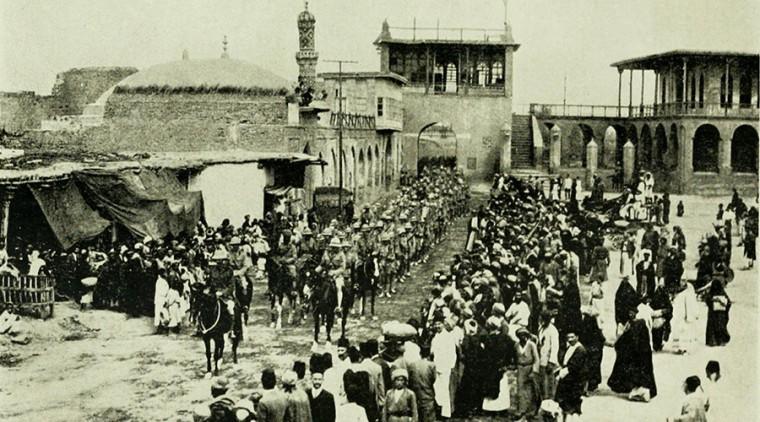 Britanske trupe marširaju u Bagadad 1917. godine