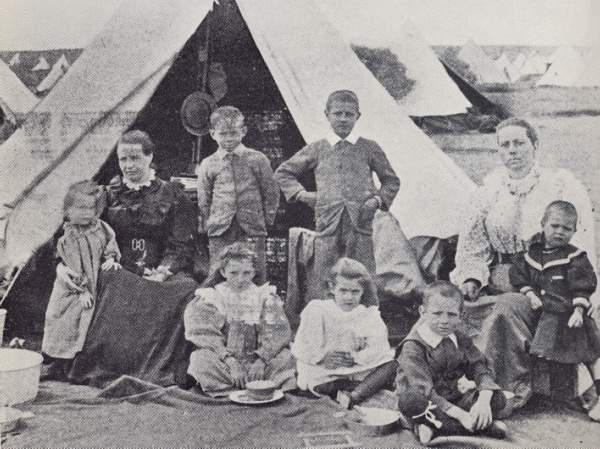 Zatočenici u koncentracionom logoru u toku Drugog boerskog rata.