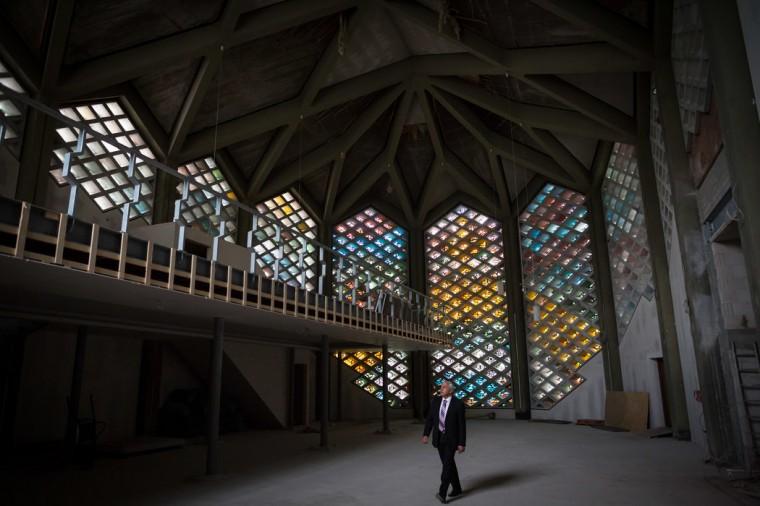Unutrašnjost Islamskog centra Al-Nour u Hamburgu (nekadašnja crkva)