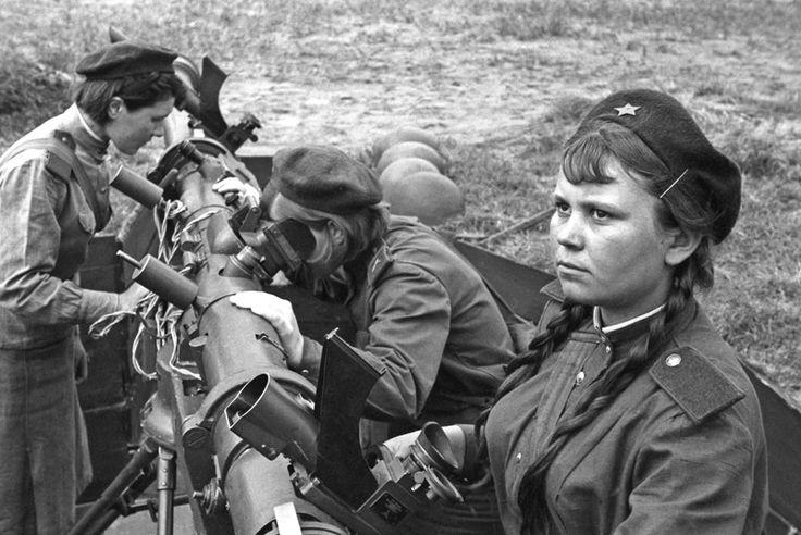 Žene u SSSR-u u toku Drugog svjetskog rata obavljale su najteže poslove.