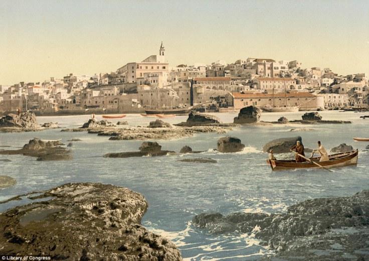 Luka u palestinskom gradu Jaffi nastala između 1890-1900. Inače, luka u Jaffi bila je od velikog značaja za Palestinu.