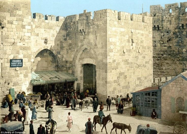 Ulaz u stari dio grada Jerusalema i Vrata Jaffa, slika nastala ca. 1900.