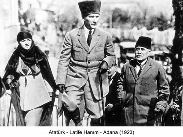1923. godine u turskom gradu Adani